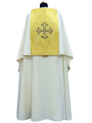 Welon ozdobiony wypukłym haftem krzyża