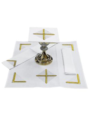 Bielizna kielichowa z prostym haftem krzyża na kreskowanym tle