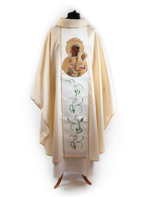 Ornat z wizerunkiem Matki Bożej Częstochowskiej w ozdobnej sukni